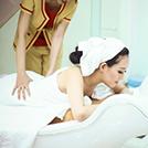 Hoa hậu cộng đồng Huỳnh Thúy Anh làm đẹp tại Jollie D Spa trước khi xuất hiện trên truyền hình